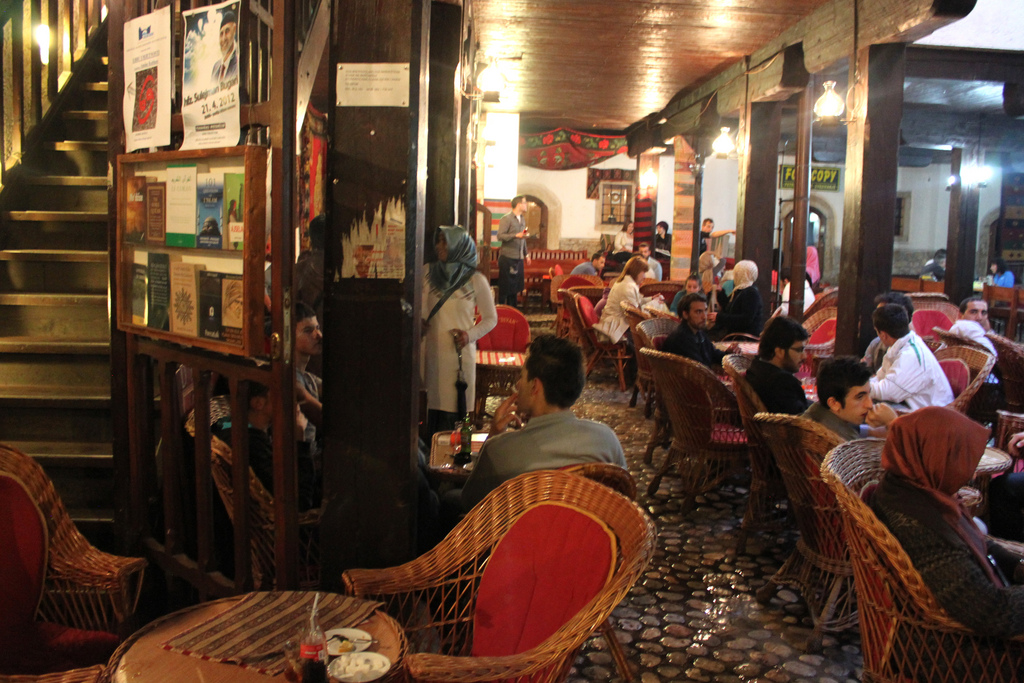 Sarajevo divan do you know how the famous zaim s coffee for Divan zenica